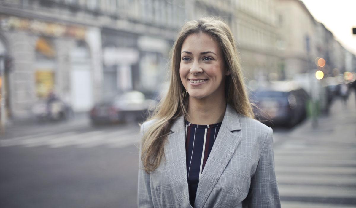 Develop Personal Brand as an Advisor | Erin Botsford – The Advisor Authority
